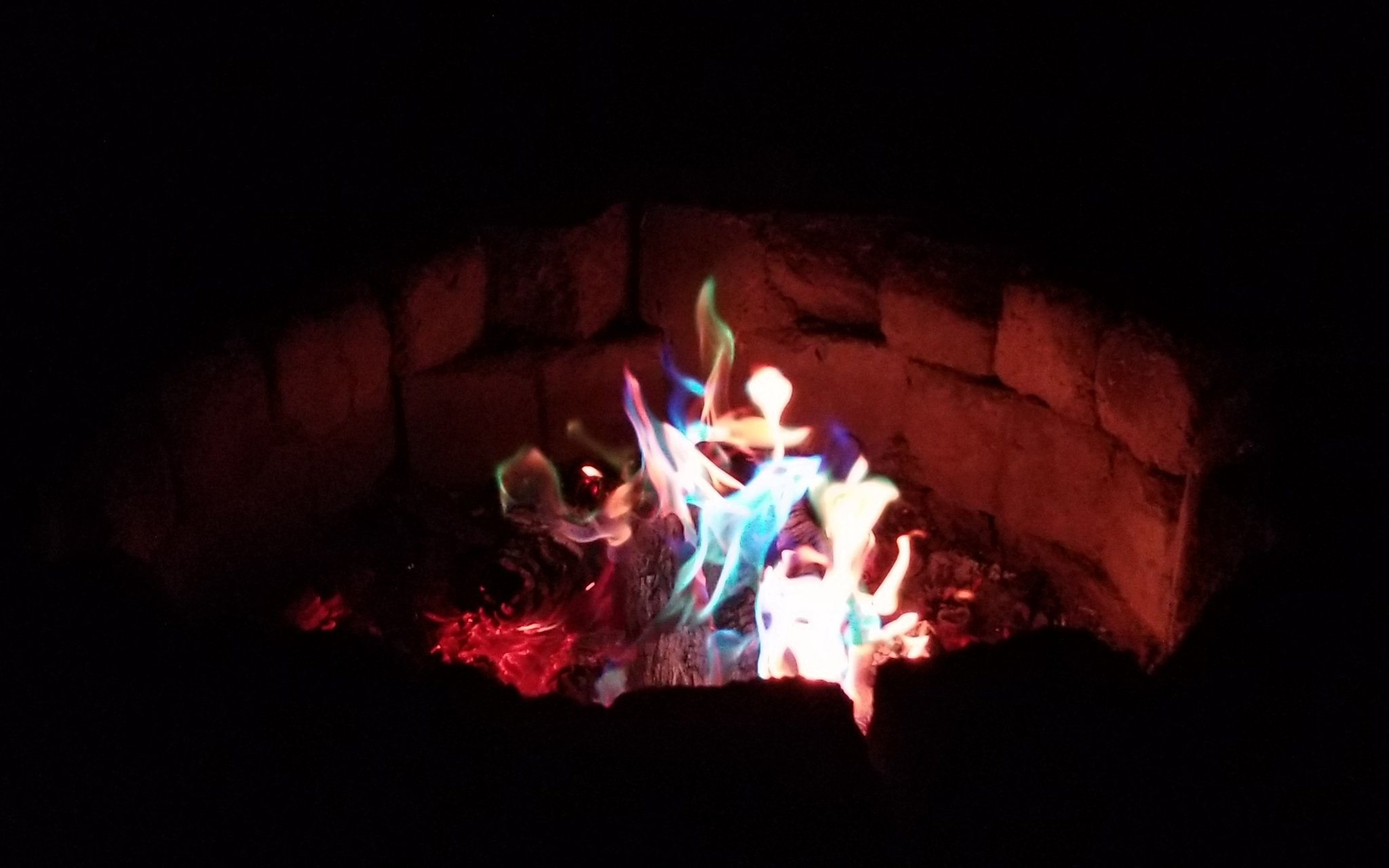rt-b3ckdotcom-color-changing-fire-oh-my-live-on-https-t-co-4kahbrwf5w-with-r3kluse-cryst4lann-stinkysteph-https-t-co-iveh7e90ob